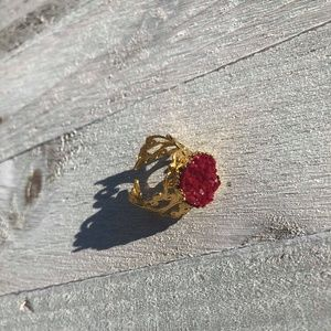 12mm Burgandy Gold Plated Ring